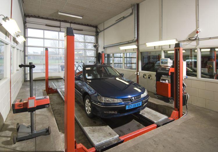 APK keuring voor uw Citroën, Peugeot of Renault in Malden regio Nijmegen