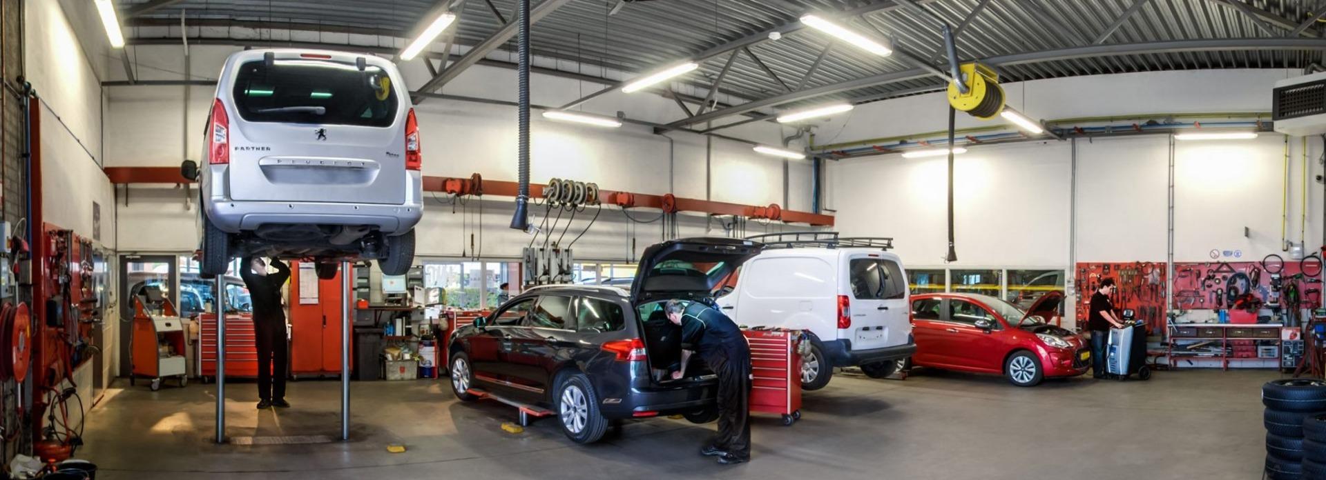 Zeer complete werkplaats Autobedrijf Bart Ebben voor Citroen Peugeot Renault
